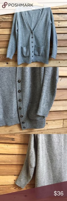 Madewell Gray Textured Cardigan Pockets and elbow patches. Hella cozy. 100% merino wool. Great condition. 20% bundle discount. Offers welcome! Madewell Sweaters Cardigans
