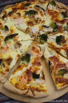 Lachs Pizza mit Garnelen und Sauce Hollandaise - Katha-kocht!