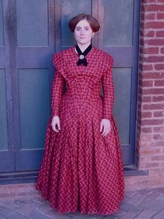 Truly Victorian pattern - 1845 German Day Dress (TV 454) with the brettelle.