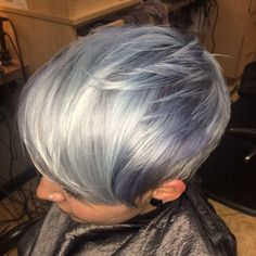HOW TO: Icy Silver Love these layers #pixie #short hair #pixue cut