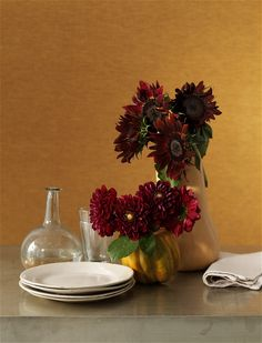 Thanksgiving Decorating Ideas: Homemade Vegetable Vase #thanksgiving #fall #decorating