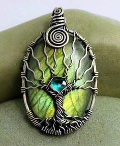 I love this pendent.