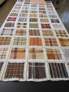 Pin loom woven squares - sample quilt with mushroom dyed yarns Pin Weaving, Card Weaving, Loom Weaving, Weaving Textiles, Tapestry Weaving, Loom Blanket, Inkle Loom, Weaving Projects, Tear