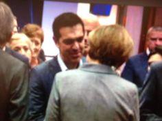 Θερμή χειραψία Τσίπρα-Μέρκελ στη Σύνοδο Κορυφής -Ολος ο διάλογος ~ VICE CODE