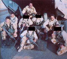 SAS - 'Bravo Two Zero' before deployment, Chris 'The One that Got Away' Ryan far left. #SpecialForces