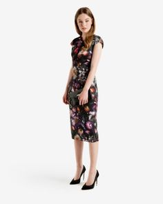 Discover Ted Baker's collection of stunning designs, from day and evening dresses, to signature, statement pieces to help create your show-stopping look. Latest Fashion Design, Floral Midi Dress, Online Dress Shopping, Gray Dress, Dresses Online, Ted Baker, Designer Dresses, Evening Dresses, Cold Shoulder Dress