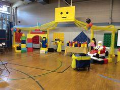 Big LEGO face on front of van Lego Themed Party, Lego Birthday Party, Vbs Themes, Party Themes, Party Ideas, Lego Classroom Theme, Lego Ninjago, Lego Decorations, Lego Christmas