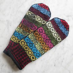 Free knitting pattern: Yarn Ends Mittens by Just Crafty Enough