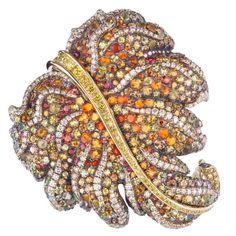 h082050-golden-leaf-brooch-3569d | Jewels du Jour