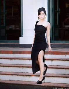 Aditi Budhathoki looks absolutely gorgeous🖤🖤🖤 Bollywood Celebrities, Bollywood Actress, Fall In Luv, Absolutely Gorgeous, Beautiful, All Black Everything, My Prince, People Around The World, Indian Actresses