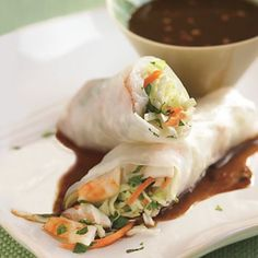 For extra crunch, add a few strips of cucumber or bell pepper before rolling these up.