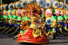 The Sinulog is an annual festival held on the third Sunday of January in Cebu City and Maasin City, Southern Leyte, Philippines The festival commemorates the Bisayan people's pagan origin, and their acceptance of Roman Catholicism. Philippines Tourism, Philippines Culture, Sinulog Festival, Filipino Culture, Filipino Art, Cebu City, Thinking Day, Tourist Spots, First Dance