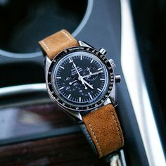 The looking beautiful on a B & R Bands Camel Classic Suede Strap! Best Looking Watches, Cool Watches, Men's Watches, Vintage Watches For Men, Luxury Watches For Men, Casio Watch Price, Online Watch Shopping, Armani Watches, Omega Speedmaster
