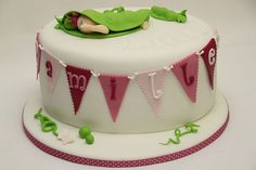 Tauftorte Mädchen by suess-und-salzig, via Flickr Gift From Heaven, Birthday Cake Girls, Baby Shower Cakes, Yummy Cakes, Eat Cake, A Food, Fondant, Cake Decorating, Cupcakes