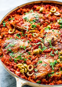 One Pot Spanish Chicken and Rice. One Pot Spanish Chicken and Rice is packed with great flavor and colors! Easy to make in one pot from stove top to the oven. Rice Recipes For Dinner, Mexican Food Recipes, Ethnic Recipes, Rice Dishes, Main Dishes, Easy Cooking, Cooking Recipes, Spanish Chicken, Spanish Rice