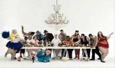 The Big Supper,2008, Gerard Rancinan,  이또한 최후의 만찬 배치를 하고 있고 중앙에는 요리사가 있다. 그리고 제자들의 자리에는 고도비만의 사람들이 서있다. 이는 요리사가 하는 음식으로 부터 사람들이 많이 먹고 또 많이 먹어서 비만이 된다.즉 예수는 우리에게 항상 배풀고 요리사도 사람들에게 항상 음식을 베푼다 라고 생각된다.