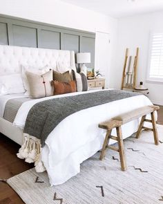 Cosy bed decor is set to have a major moment next season Ikea Interior, Simple Interior, Nordic Interior, Interior Photo, Interior Modern, Interior Paint, Bedroom Interior Design, Interior Design Masters, Interior Livingroom