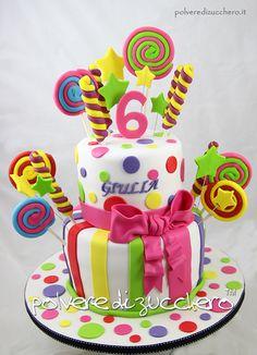 Girl candy cake Torta in pasta di zucchero caramelle