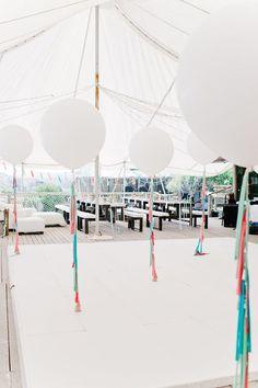 Ideas para decorar tu fiesta de bodas con globos.