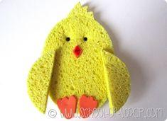 Lavoretti di Pasqua: come fare un pulcino di spugna con i bambini
