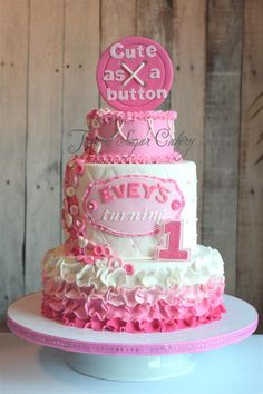 Pretty In Pink Top Tier Is A Smash Cake In Buttercream Everything Else Is Done In Fondant