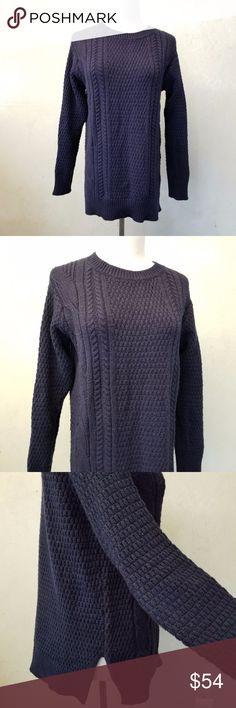 GAP navy sweater in perfect condititon GAP navy sweater GAP Sweaters Crew & Scoop Necks