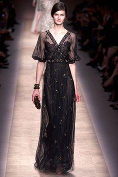 Valentino Spring 2013 Ready-to-Wear Fashion Show - Mackenzie Drazan
