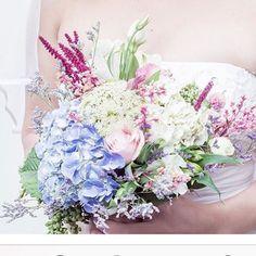 Detalhes de um Bouquet, segredos de uma noiva... 💖 #noiva #bouquetdenoiva #bridalbouquet #wedding #weddingday #bride #casamento #bridebook  #vanessaozflores