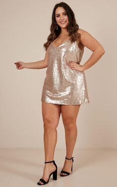 Complete your look with the Nights In Vegas Dress In Champagne Sequin from Showpo! Sexy Outfits, Curvy Outfits, Dress Outfits, Vegas Dresses, Sexy Dresses, Pernas Sexy, Femmes Les Plus Sexy, Looks Plus Size, Plus Size Kleidung