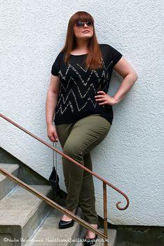 Hülle & Fülle Plus Size Fashion Blog: Black & Olive – Dress to impress, Blogger, Plus Size Outfit, OOTD, khaki pants