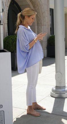 Kristin Cavallari / Maternity Fashion, this is just adorable. Kristin Cavallari / Maternity Fashion, this is just adorable. Cute Maternity Style, Stylish Maternity, Maternity Wear, Maternity Dresses, Maternity Shirts, Summer Maternity Fashion, Maternity Styles, Pregnant Fashion Summer, Celebrity Maternity Style