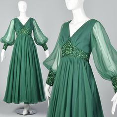 XS Emerald Green Gown Long Formal Dress Bishop Sleeves Long Sheer Sleeves Evening Wear Party P Vintage Formal Dresses, 1970s Dresses, Nice Dresses, Vintage Outfits, Prom Dresses, Dresses With Sleeves, Dress Sleeves, Awesome Dresses, Vintage Gowns
