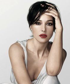 Girls Cloth, Women Fashion,: Italian Model Monica Bellucci Fashion Dress Style Photos: