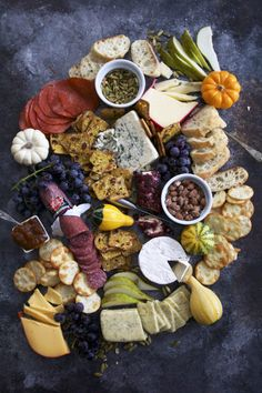 Ultimate Fall Cheese Board Guides for Thanksgiving - Food and Drink - Harvest Party, Fall Harvest, Harvest Moon, Housewarming Food, Fall Appetizers, Appetizer Ideas, Harvest Appetizers, Appetizer Recipes, Tapas