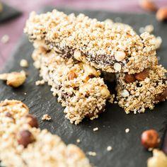 Energieriegel mit Knuspereffekt:voll gepackt mit Haselnüssen, Cashews, gepufftem Dinkel und Quinoa Pops wird er im Mund zum süßen Snack-Kracher.