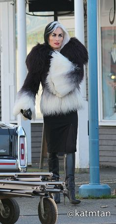 Victoria Smurfit on set (January 20, 2015)