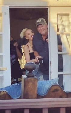 Blake Shelton Gwen Stefani, Blake Shelton And Gwen, Gwen Stefani And Blake, Gwen And Blake, Great Friends, Relationships, Relationship, Dating