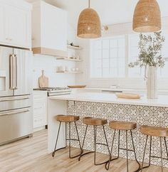 8 Glowing Simple Ideas: Kitchen Remodel House new kitchen remodel ideas.Farmhouse Kitchen Remodel To Get. Home Decor Kitchen, Interior Design Kitchen, New Kitchen, Kitchen Dining, Modern Interior, Rustic Kitchen, Awesome Kitchen, Kitchen Stools, Kitchen Cabinets