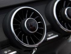 「Audi TT」に装備される未来のダッシュボード « WIRED.jp