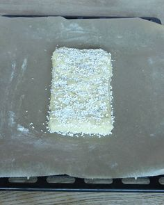 Mördegsinbakad mjölkchoklad – Lindas Bakskola Coconut Flakes, Cheesecake, Spices, Kaka, Food, Frases, Spice, Cheesecakes, Essen