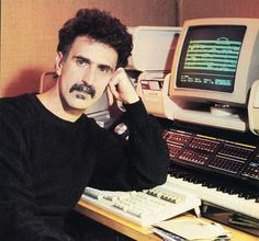 Frank Zappa and his Synclavier II. Zappa owned the largest Synclavier Digital Sound System ever built. Music Pics, Music Stuff, Keyboard Musical Instrument, Best Guitarist, Frank Zappa, Celebrity Look, Electronic Music, People, Mothers
