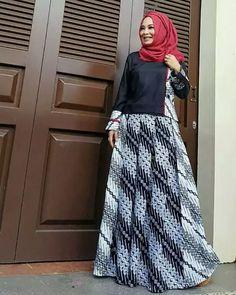 Dress Muslim Modern, Muslim Dress, Model Dress Batik, Batik Dress, Fashion Wear, Hijab Fashion, Fashion Dresses, Dress Batik Kombinasi, Batik Muslim