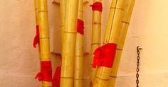 Cómo hacer una flauta de bambú. La fabricación de instrumentos se remonta a los inicios de las civilizaciones antiguas. Debido a que carecían de cine y televisión, estas sociedades hacían instrumentos rudimentarios y se entretenían unos a otros produciendo música. La elaboración de una flauta de bambú es un poco difícil, pero una vez que hayas terminado es muy gratificante.