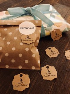 firlefranz - 25 Stk. Punkte-Sackerl verschiedene Farben Ri Happy, Gift Wrapping, Gifts, Dots, Little Gifts, Random Stuff, Packaging, Colors, Deko