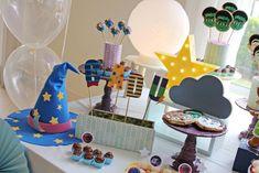 Decoração Super Monstros em Ação Monster Birthday Cakes, Monster 1st Birthdays, Monster Birthday Parties, Girl Birthday Themes, Monster Party, 3rd Birthday, First Birthdays, Birthday Ideas, Super Party