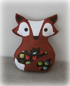 Felt fox toy in brown/red with leaves, boy - by Plushka on madeit