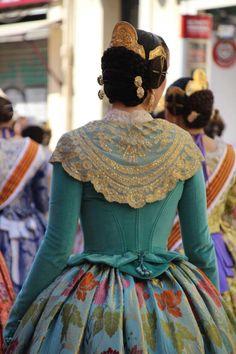 Tudor Costumes, Period Costumes, Beautiful Dresses, Nice Dresses, Tudor Dress, Edwardian Gowns, Folk Costume, Historical Clothing, Costume Design