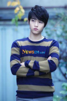Song joong ki (Sungkyunkwan Scandal, Tree With Deep Roots, Nice Guy, Innocent Man, descendants of the sun Daejeon, Song Hye Kyo, Song Joong, Asian Actors, Korean Actresses, Korean Actors, Korean Dramas, Korean Idols, Park Hae Jin