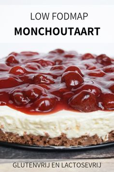 Gluten-free monochrome cake with strawberries (low FODMAP and lactose-free) - Delicious low FODMAP monochrome cake with strawberries. Gluten-free and lactose-free - Foods With Gluten, Sans Gluten, Healthy Cake Recipes, Baking Recipes, Fodmap Recipes, Gluten Free Recipes, Strawberry Cakes, Breakfast Dessert, Low Fodmap