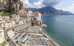Lataa kuva Amalfi, Atrani, Bay Salerno, Salerno, ranta, aurinkotuolit, kesällä, vuoret, meri, Italia